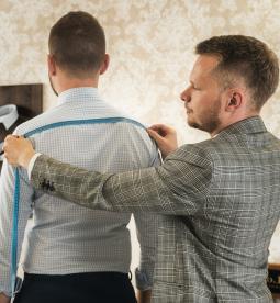 Jak si nechat ušít košili či oblek na míru